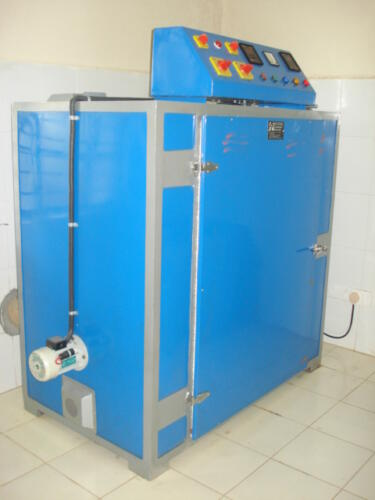 Dual mode convective dryer for raw cashewnuts